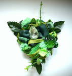 green forest brooch