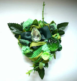 green forest brooch by RibbonsandClay
