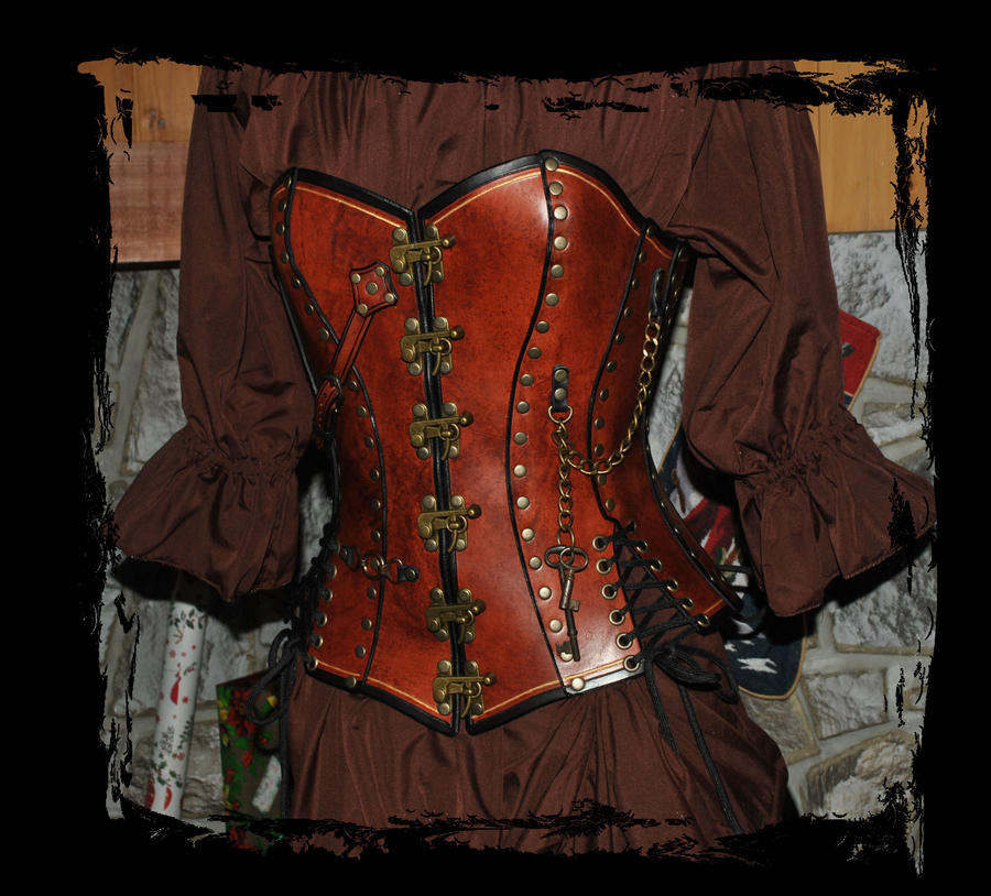 steampunk overbust leather corset by Lagueuse
