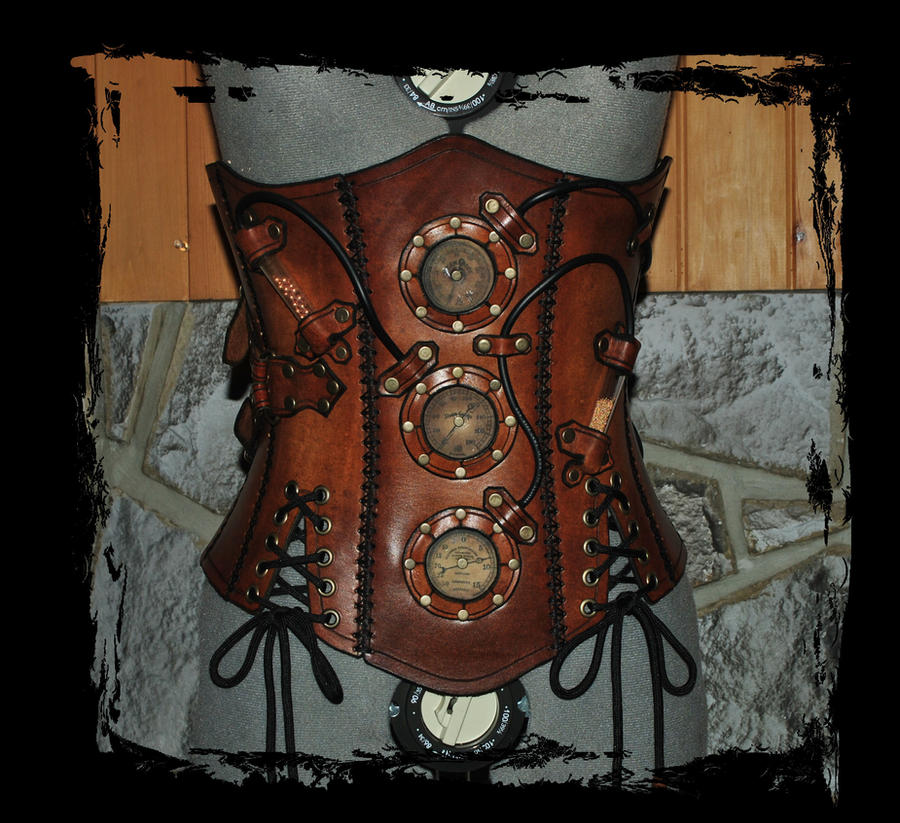 steampunk leather corset front view by Lagueuse