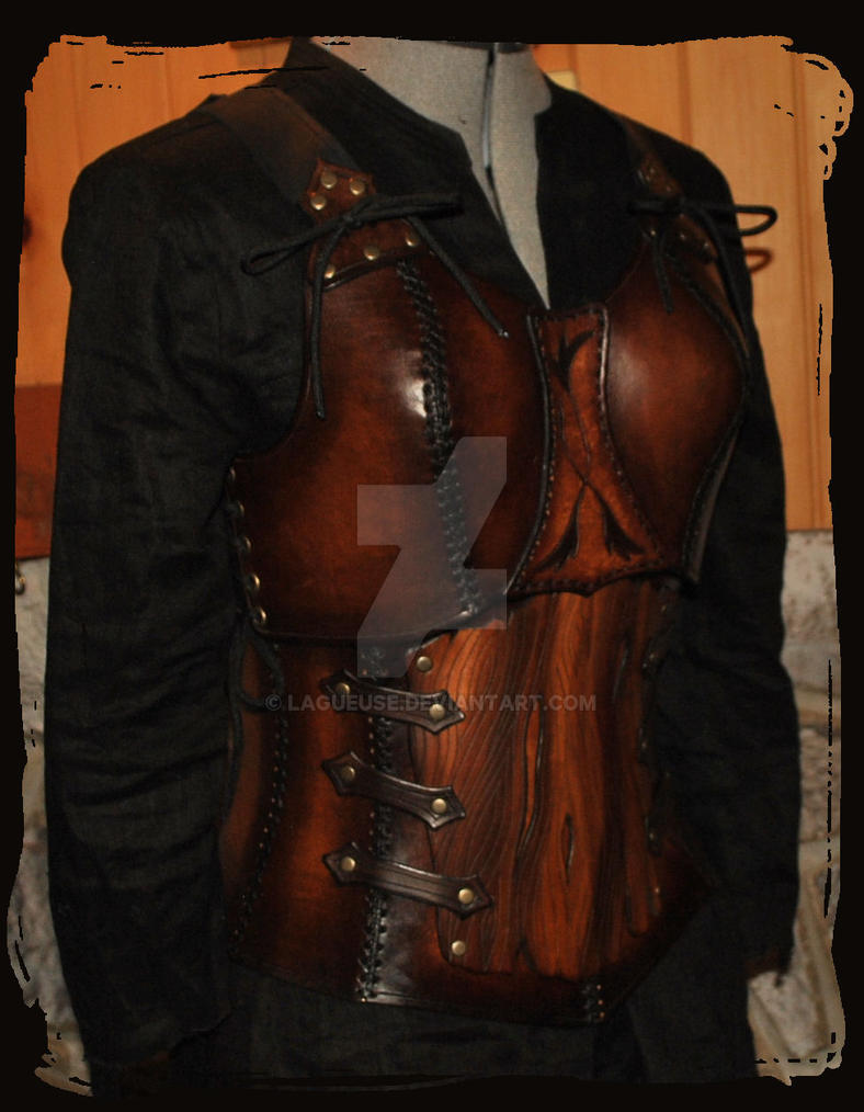 wooden elf leather armor by Lagueuse