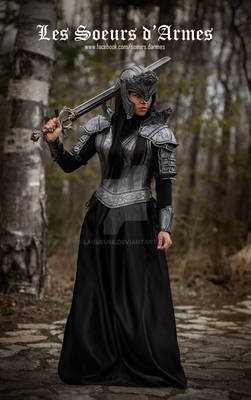 women leather armor