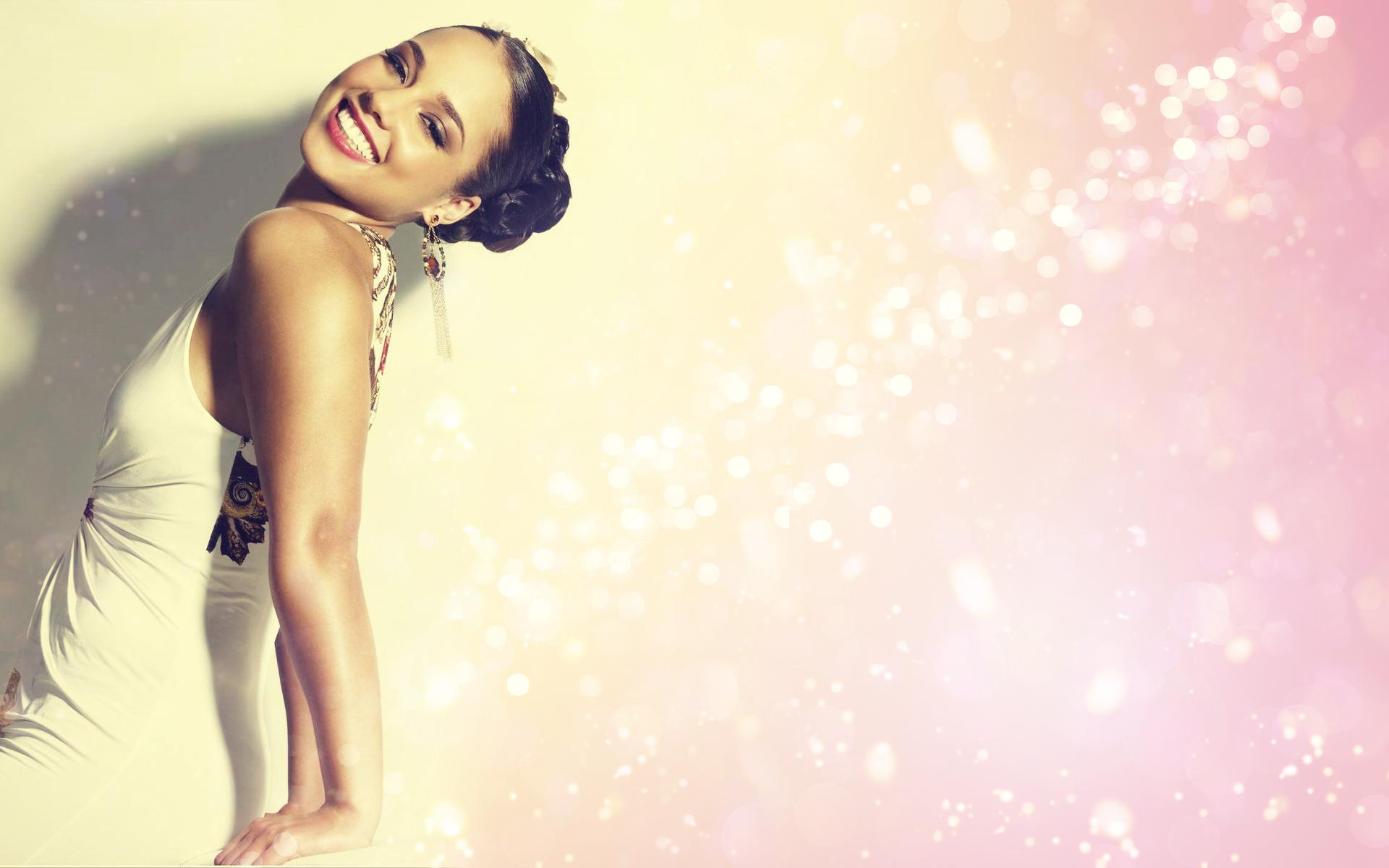 Alicia Keys Wallpaper by textureclad
