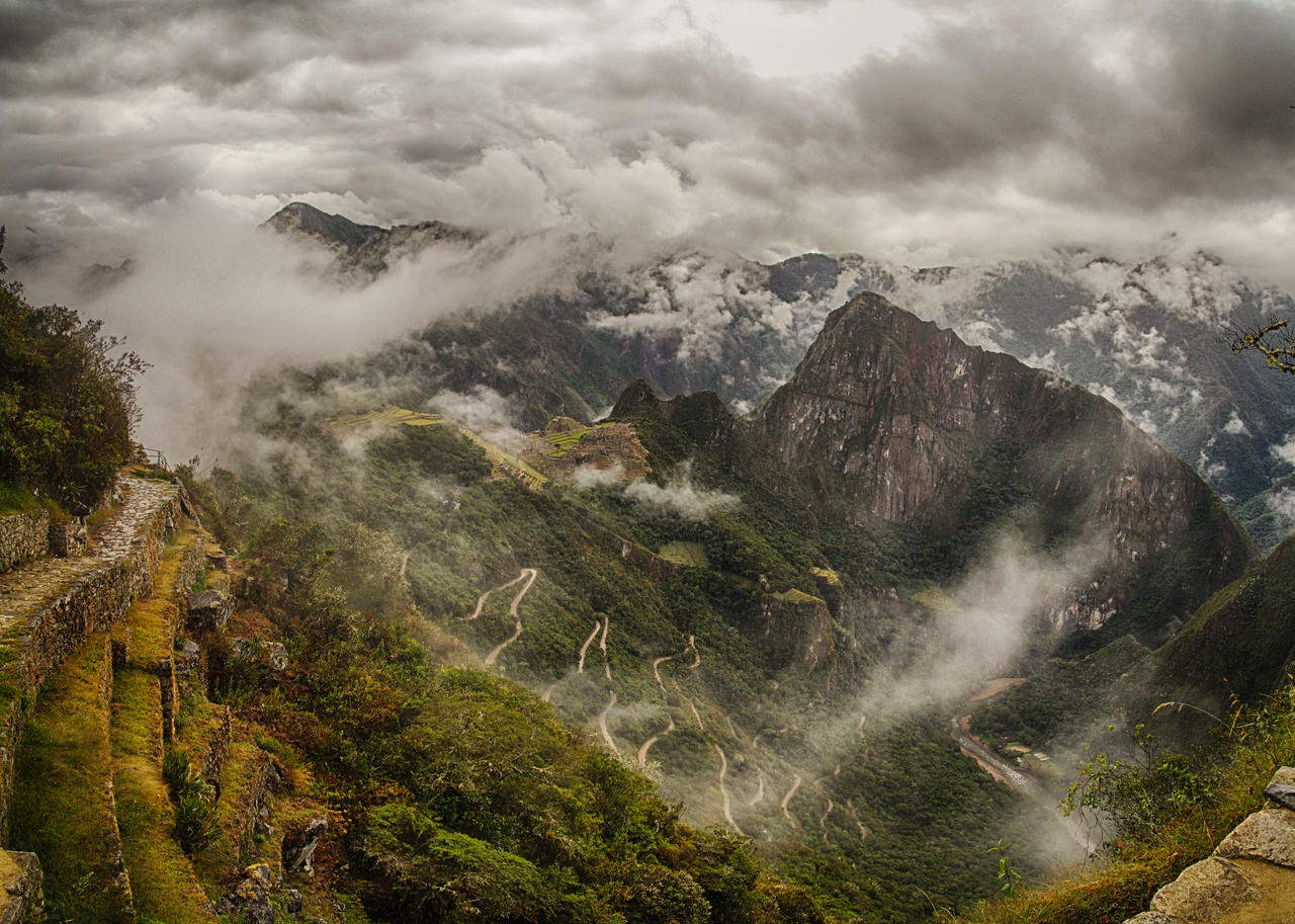 Machu Picchu view from the Sun Gate by scwl