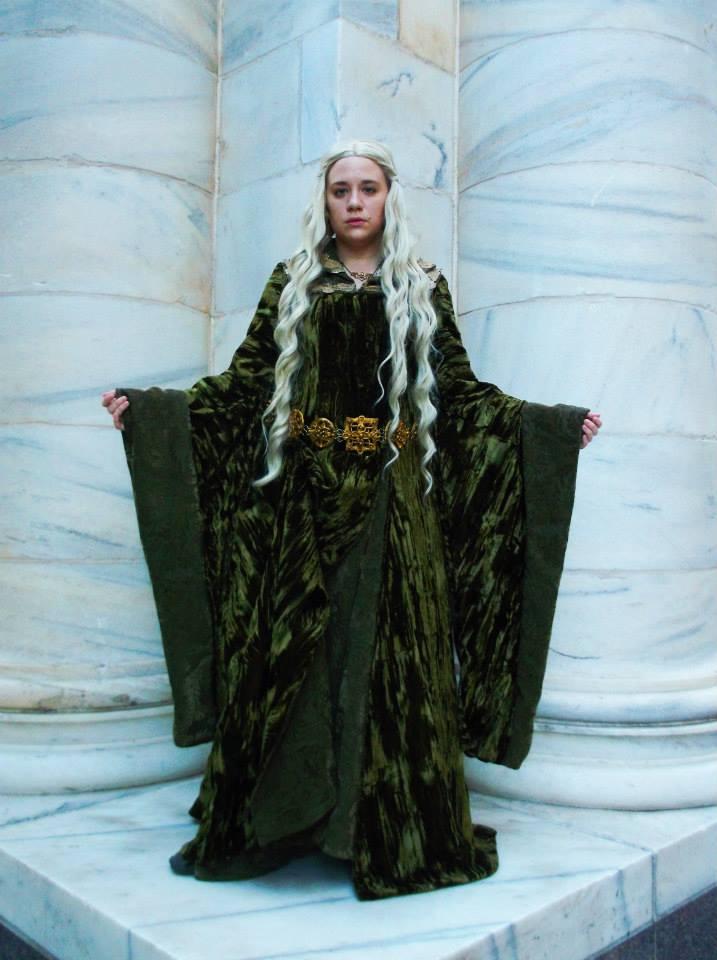 Eowyn\'s Green Velvet Gown by Angel-or-Phantom on DeviantArt