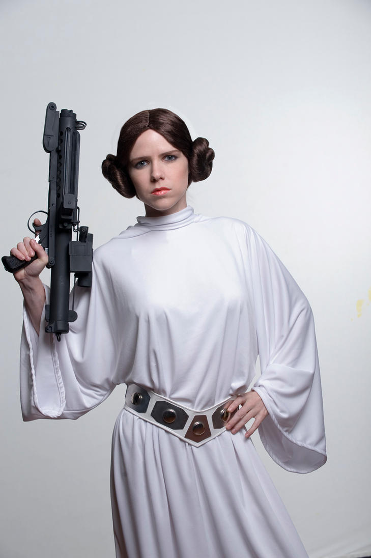 princess leia in a new hope Since rogue one details the events directly leading up to a new hope, the final  scene is princess leia receiving the stolen death star plans.