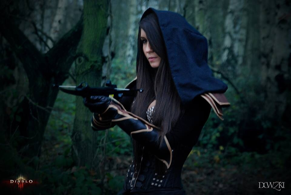 Diablo 3 Demon Hunter Cosplay by Beaupeep101