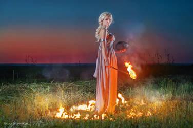 Daenerys Targaryen cosplay by ElenaGrigorenko