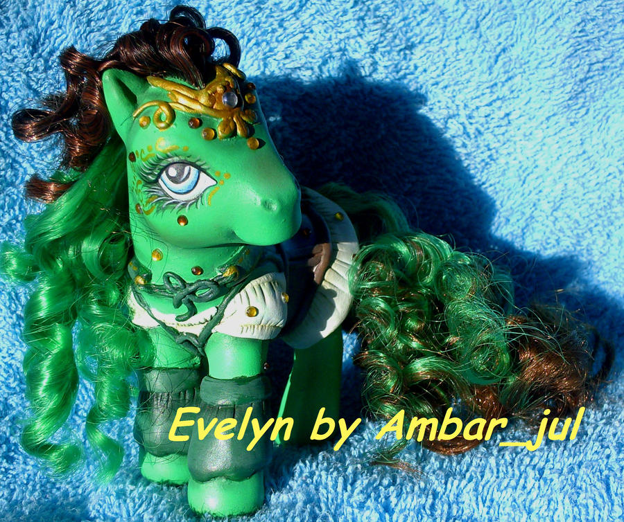 My little celtic custom Evelyn by AmbarJulieta