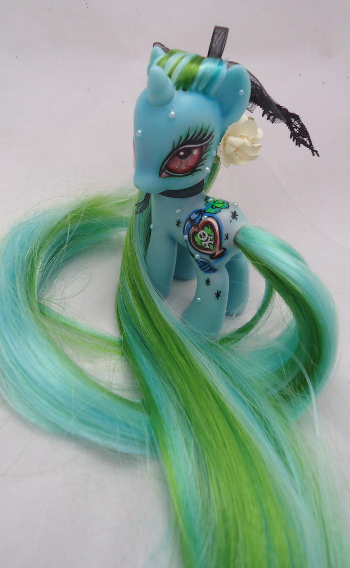 My little pony custom NotLovePoison by AmbarJulieta