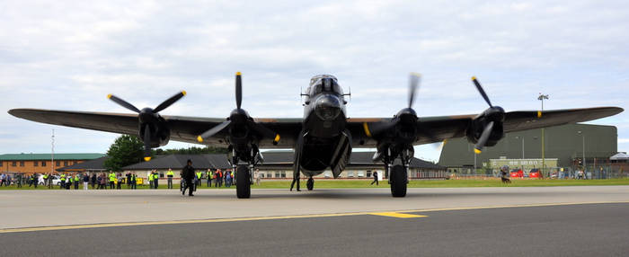 UK Lancaster Bomber Thumper