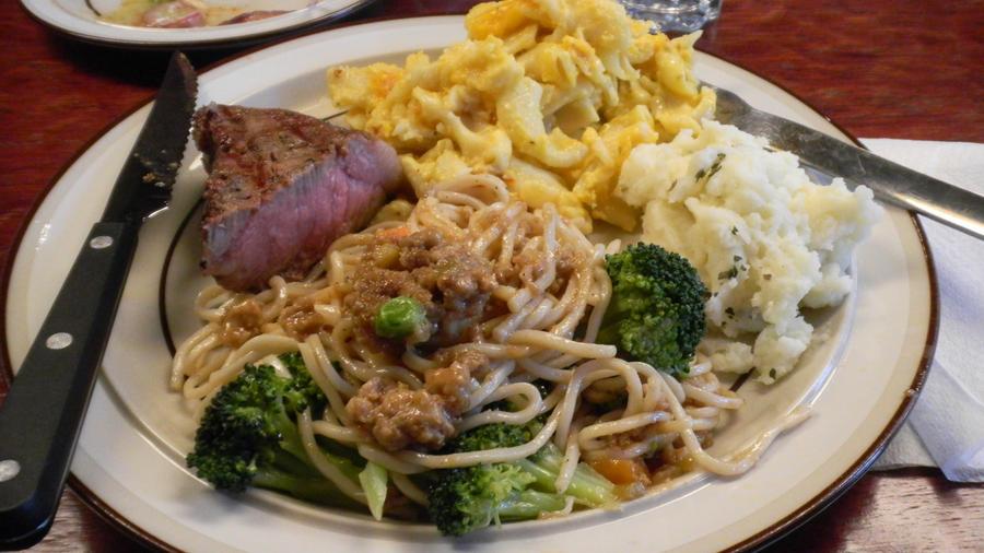 5-31-11 Dinner Plate by SachiyeKazumi