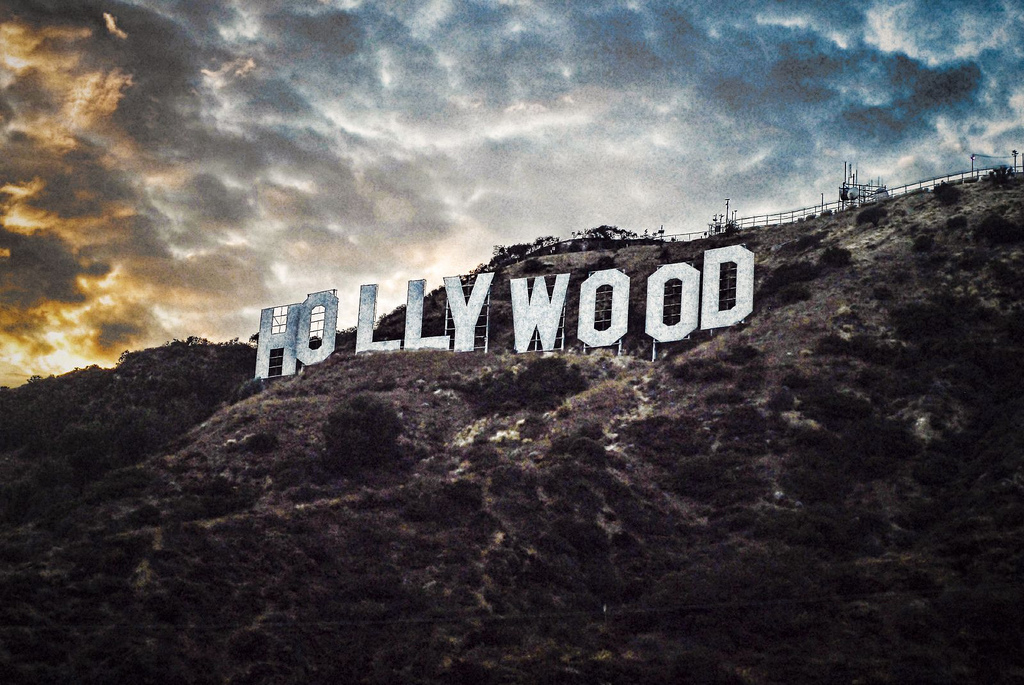 Link to deviantart image of Hollywood sign.