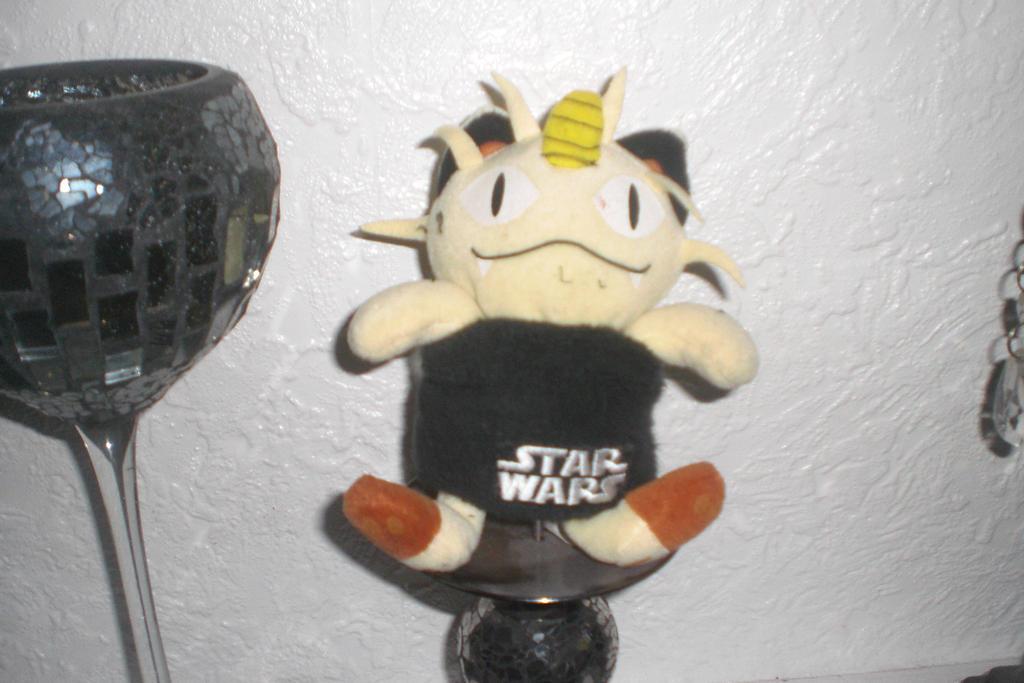 Meowth the Star Wars fan 1 by Garchompisbeast