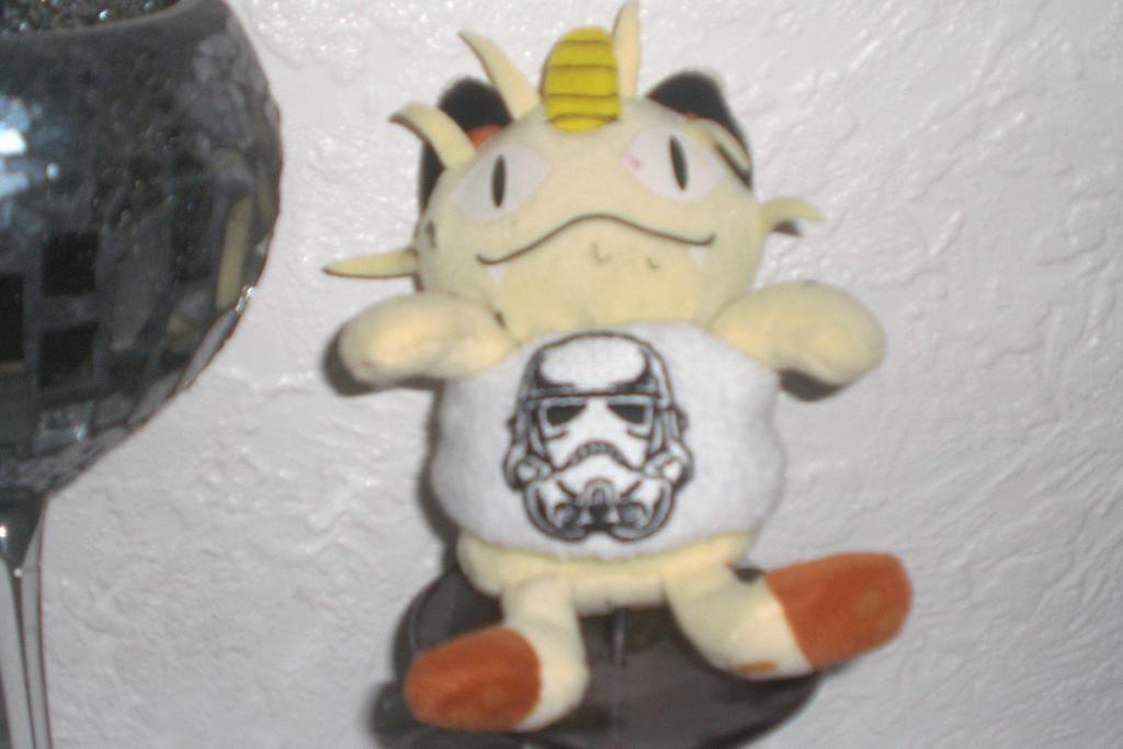 Meowth the Star Wars fan 2 by Garchompisbeast