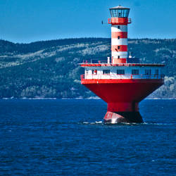 Red lighthouse by Gazounette