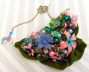 Spring Fever Flower Necklace by shmaysh