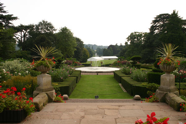 Warwick castle garden 1 by foxstox on deviantart for Gardening 4 you warwick