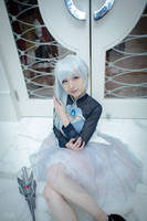 Volume 4 Weiss - Ice Queen by Eiloria