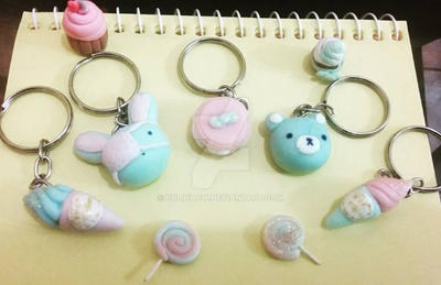 Cute biscuit keycharms by Bolinhow