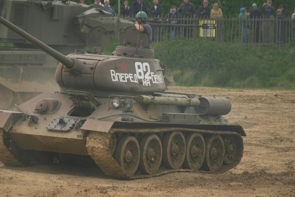 playing with tanks 6 t34 by Sceptre63