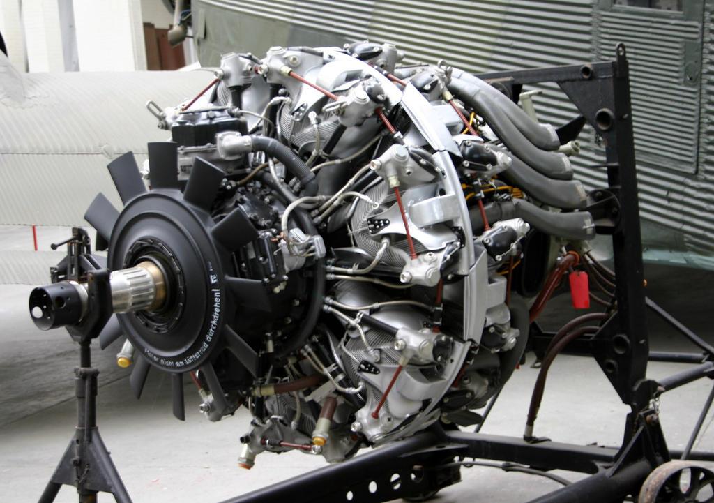 BMW 801D AERO ENGINE 1 by Sceptre63