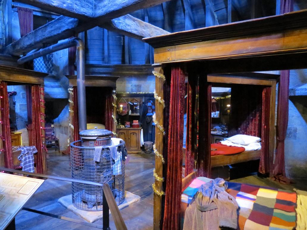 Harry Potter Dorm Hogwarts School Gryffindor By Sceptre63 ... Part 59