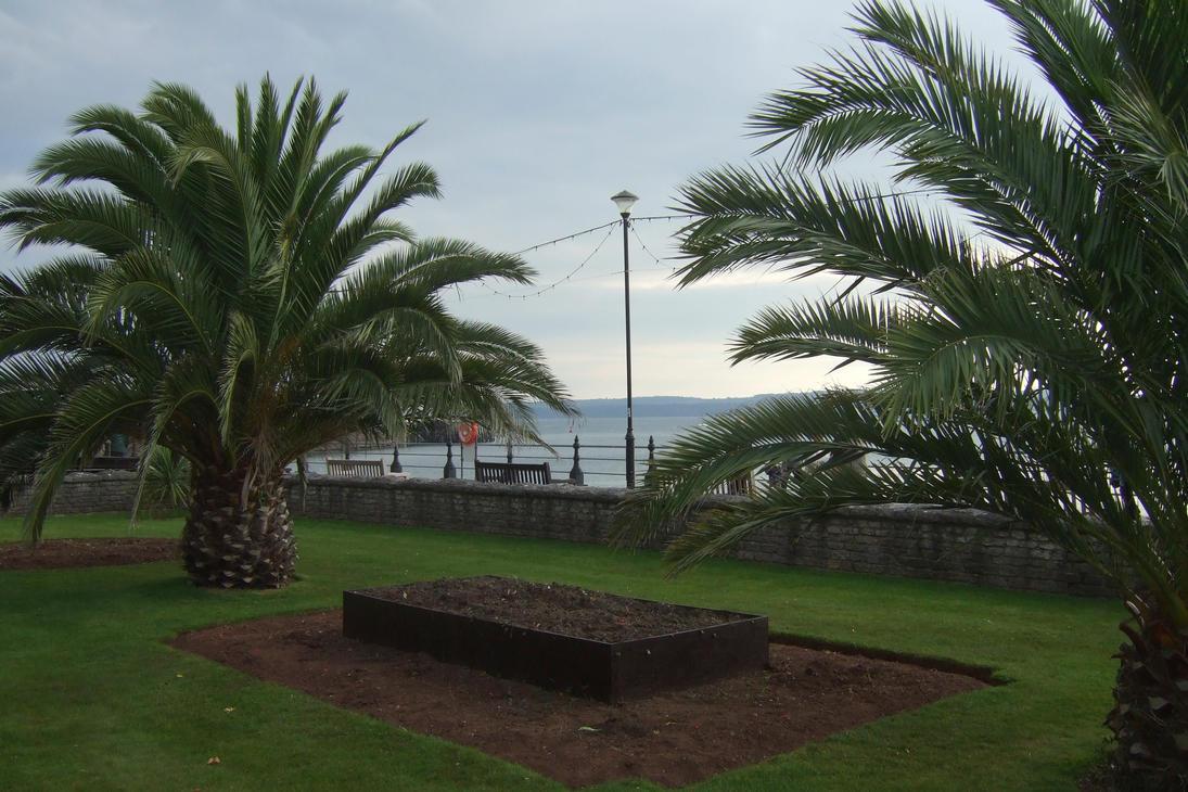 sea front torquay  gardens by Sceptre63