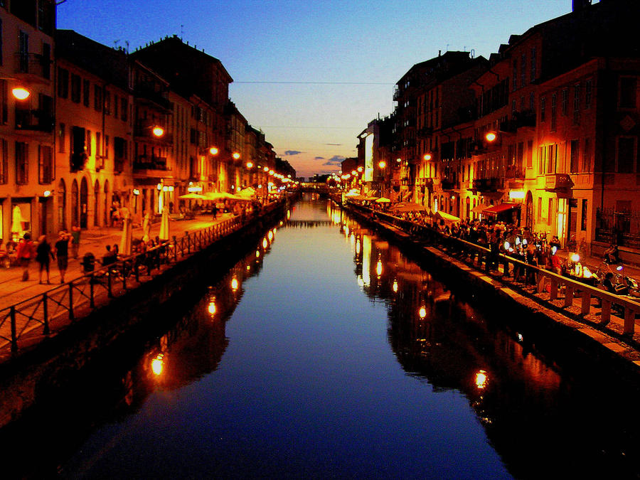 milan at night by meireis on deviantart
