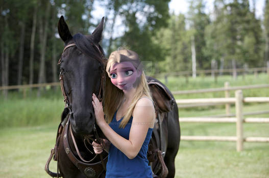 Elsa and Toothless horse and owners girlfriend