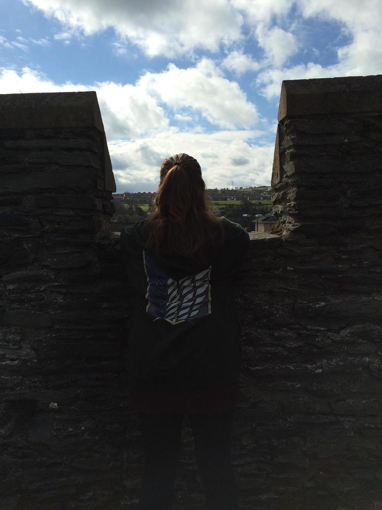 I wanna live outside these walls by xXxLunaAstralxXx