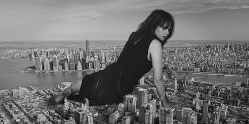 Giantess Felicity Jones