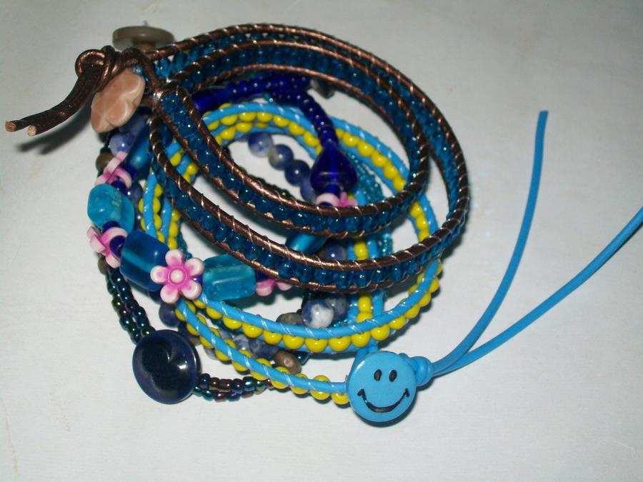 Smiley blue bracelet stack by BlueberryCrazy
