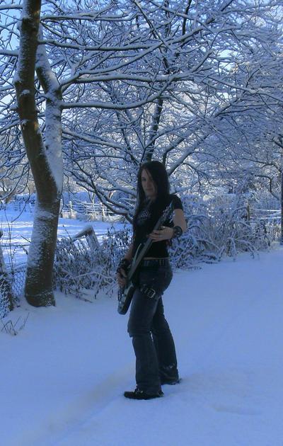 ID - Bass and snow by NitoryuSora