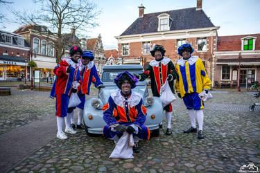Zwarte Pieten With Citroen 2CV by SIG442