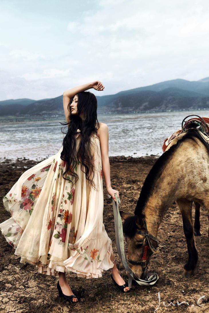 Anna Mia 32 by yychanson
