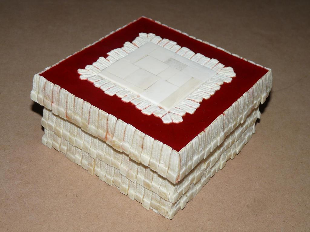 Bone box 56 by ClaudioTurcovich