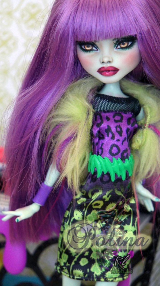 ~Polina~ Monster High Frankie Stein repaint by RogueLively