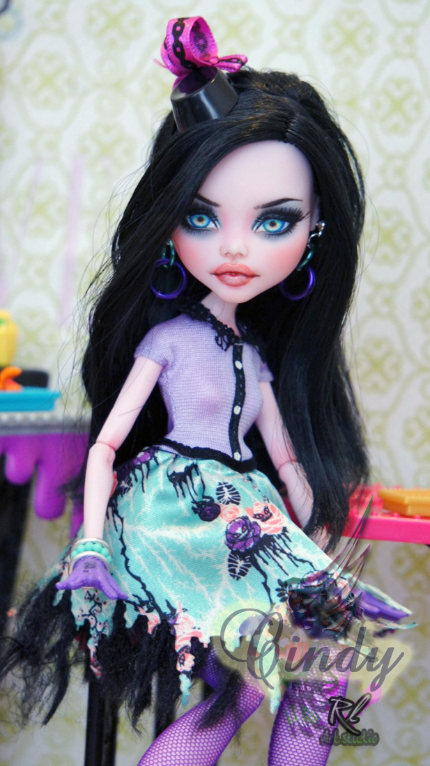 ~Cindy~ Monster High Draculaura by RogueLively
