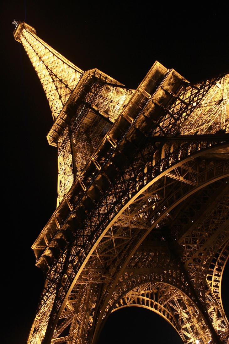 Paris by Thomassuen