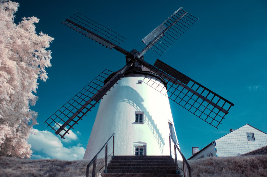 Windmill infrared by Tschisi