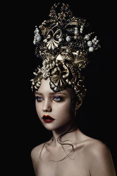 gold pearl (headpiece)