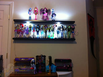 NEW DOLL SPACE!!!!!!!!!!!! by Rare-Spawn