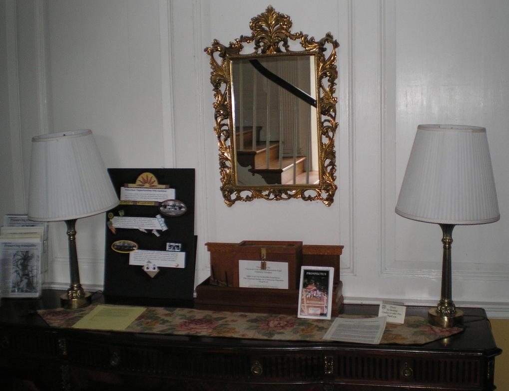 SHWC2006: Mansion lobby by steward