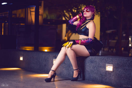 Evelynn is waiting for love~
