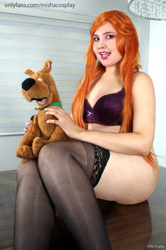 Daphne and Scooby