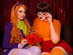 Friendship: Daphne and Velma~