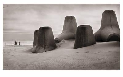 Beach Giants by JoseMelim