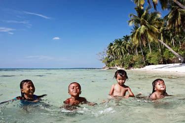 Kids At Karimun Jawa by ditya