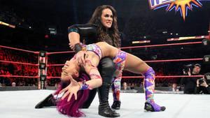 Nia Jax breaks Sasha Banks